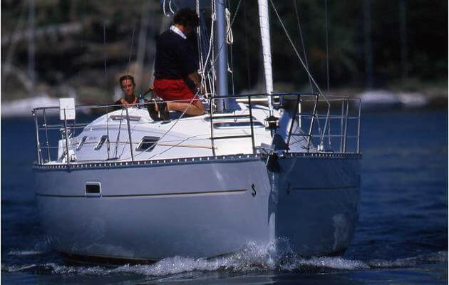 Oceanis clipper 331 Sailing in Greece yacht charter Ionian islands Odysseus