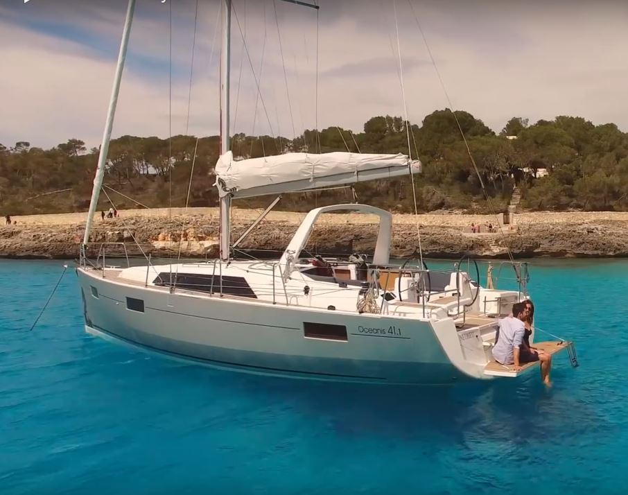 Oceanis 411 Sailing in Greece yacht charter Ionian islands Odysseus